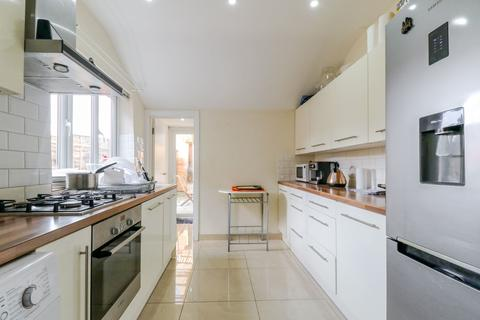 3 bedroom terraced house for sale - Winchester Road, N9