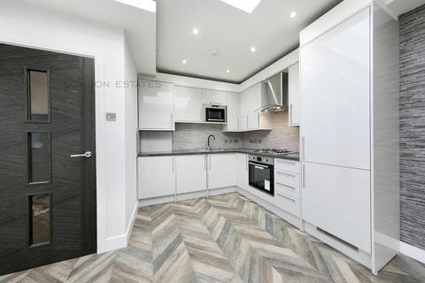 2 bedroom house to rent - Steventon Road, Shepherds Bush, W12