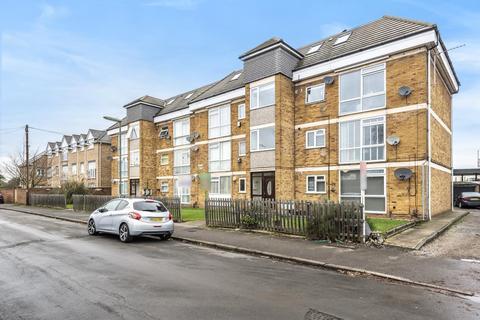 2 bedroom flat for sale - Amanda Court, Ashford, TW15