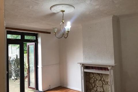 3 bedroom terraced house to rent - Lodge Avenue, Dagenham, Essex, RM8