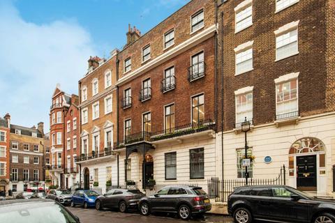 3 bedroom flat to rent - Queen Anne Street, Marylebone