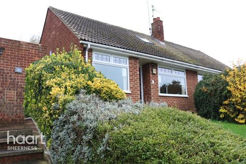 2 bedroom bungalow for sale - Admirals Walk, Sheerness