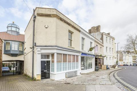 2 bedroom terraced house to rent - Clifton Road, Clifton