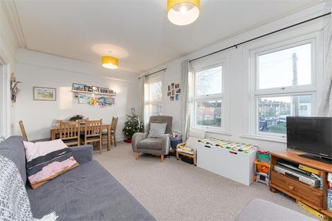 2 bedroom flat for sale - Winns Avenue, Walthamstow, London