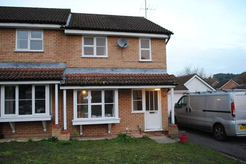 3 bedroom semi-detached house to rent - Sandringham Way, Frimley