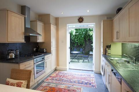 1 bedroom apartment to rent - Heyford Avenue SW8