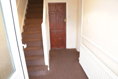 3 bedroom semi-detached house to rent - Clevedon Gardens, Cranford, Middlesex