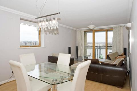 2 bedroom apartment to rent - Shackleton Court, Maritime Quay, London, E14