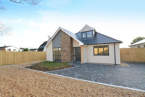 4 bedroom chalet for sale - Hayes Lane, Wimborne