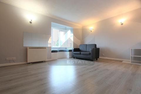 Studio to rent - Pycroft Way, Edmonton, N9