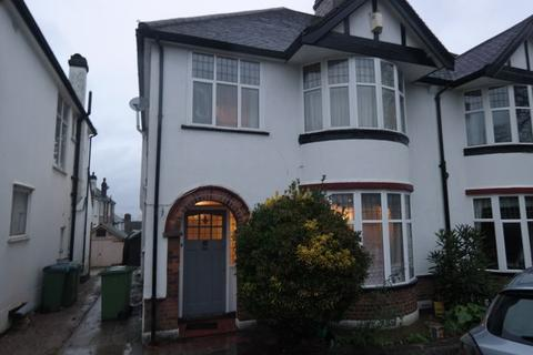 3 bedroom semi-detached house to rent - Shrewsbury Lane, Shooters Hill,  London SE18