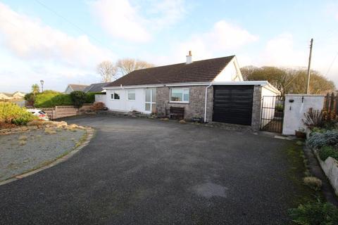 2 bedroom detached bungalow for sale - Capel Coch, Llangefni