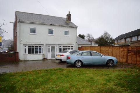 4 bedroom semi-detached house to rent - Station Road, Hayling Island.