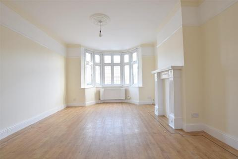 3 bedroom semi-detached house to rent - ROMFORD
