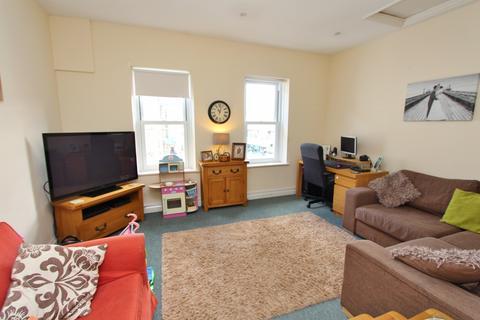 2 bedroom flat to rent - High Street, Keynsham
