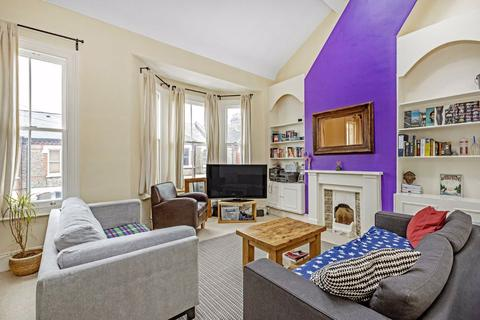 2 bedroom flat for sale - Kathleen Road, London, SW11