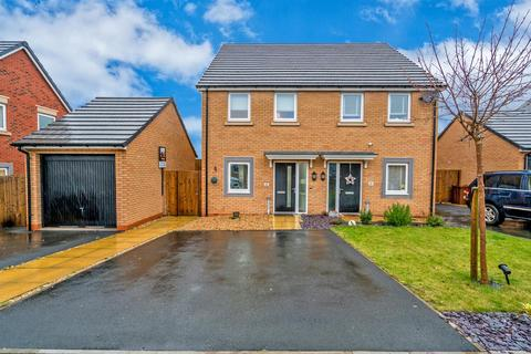 2 bedroom semi-detached house for sale - Barge Close, Cannock