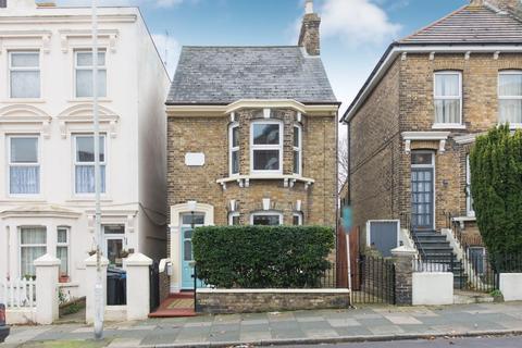 4 bedroom detached house for sale - Ellington Road, Ramsgate