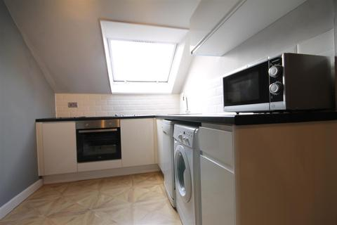 3 bedroom apartment to rent - The Mews, City Centre