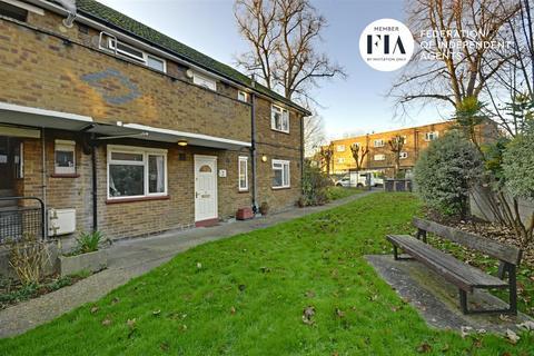 2 bedroom flat for sale - Clifden Court, Clifden Road, Brentford