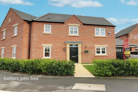3 bedroom semi-detached house for sale - Western Way, Northwich
