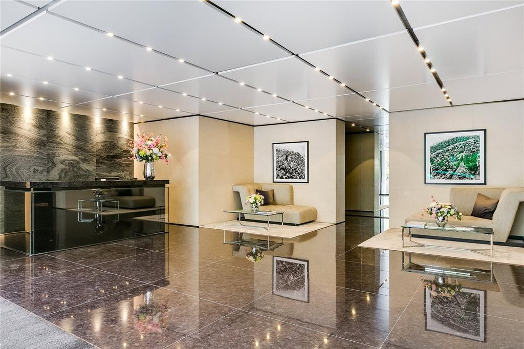 Lobby/Concierge