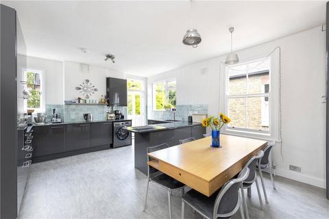 3 bedroom maisonette to rent - Hosack Road, London, SW17