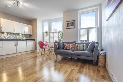 2 bedroom flat for sale - Wandsworth Road, Clapham