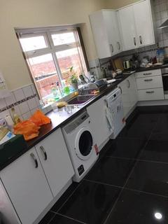 7 bedroom terraced house to rent - Richmond Grove, MANCHESTER M14