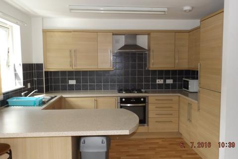 3 bedroom flat to rent - Larch Street, West End