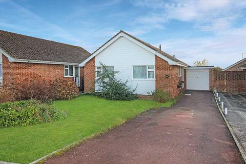 2 bedroom bungalow for sale - Stour Road, Worthing.