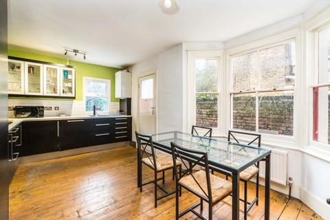 3 bedroom terraced house to rent - Howson Road, London