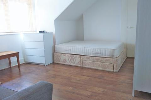 1 bedroom barn conversion to rent - Friern Barnet Road, London, N11 1NA