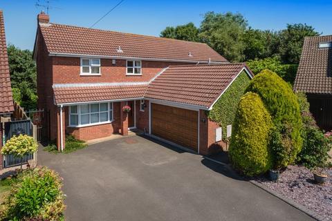 4 bedroom detached house for sale - Primrose Gardens, Codsall, Wolverhampton