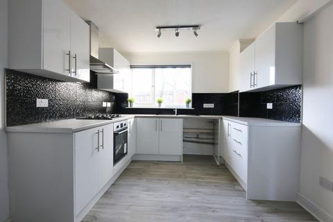 3 bedroom terraced house to rent - Newlyn Close, Runcorn