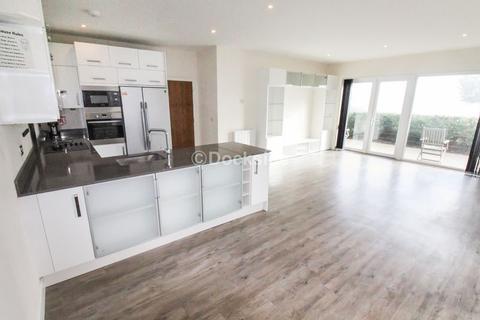 3 bedroom apartment for sale - Victory Pier, Gillingham