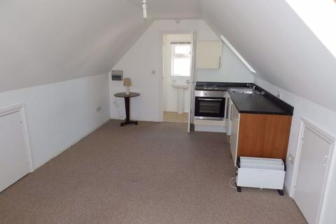 Studio to rent - Teignmouth, Devon TQ14 9JY