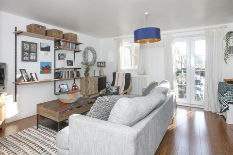 2 bedroom apartment for sale - Newent Close, Peckham, SE15