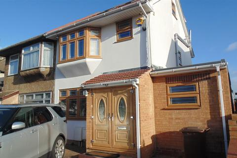 5 bedroom semi-detached house for sale - Oxford Avenue, Cranford