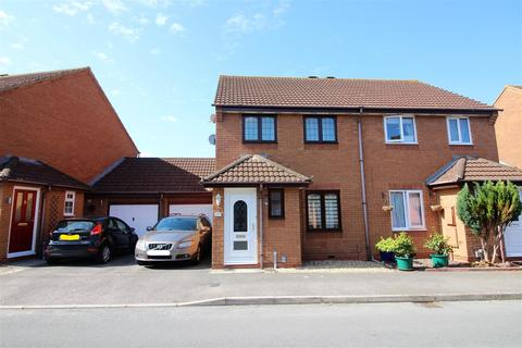 3 bedroom semi-detached house for sale - Thornhill Drive, St Andrews Ridge, Swindon, SN25