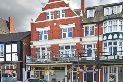 2 bedroom flat to rent - Flat 3 Britannia House, Station Crescent, Llandrindod Wells LD1