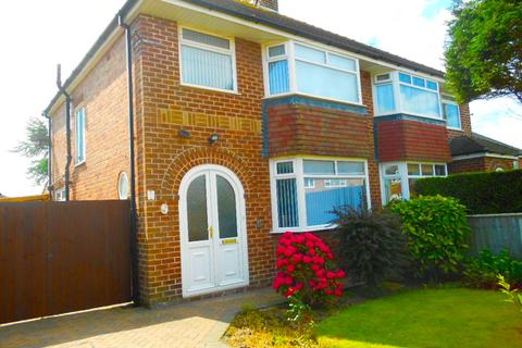 3 bedroom semi-detached house to rent - Ravenswood Avenue, Blackpool, FY3 7SJ