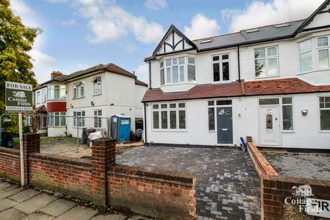 3 bedroom semi-detached house to rent - Firs Lane, Winchmore Hill, London, N21 - Stunning New Build Semi Detached Home