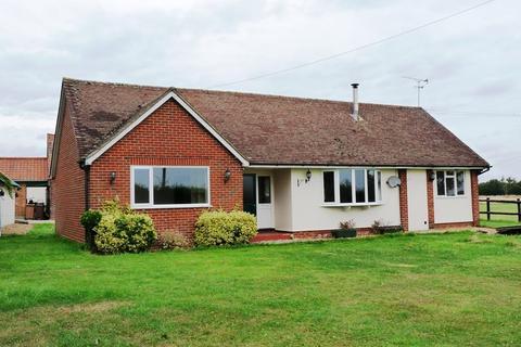 3 bedroom bungalow to rent - The Bungalow, Common Farm, Bicknacre Road