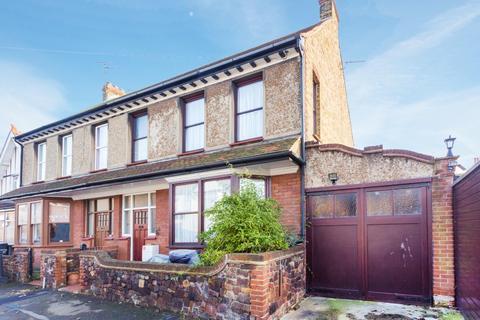 4 bedroom end of terrace house for sale - Arundel Road, Margate