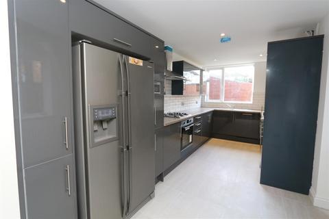 4 bedroom house to rent - Priory Road, Dartford