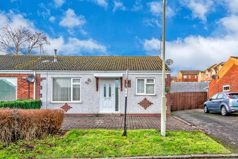 2 bedroom semi-detached bungalow for sale - Metcalfe Close, Hednesford, Cannock