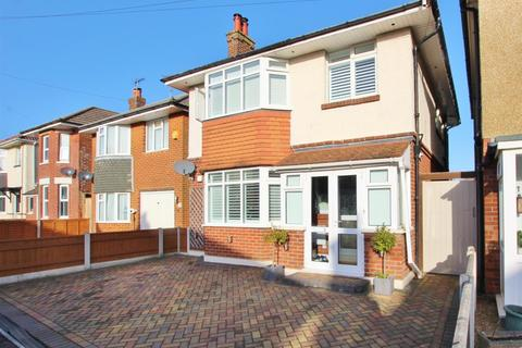 3 bedroom detached house for sale - King George Avenue, Bournemouth