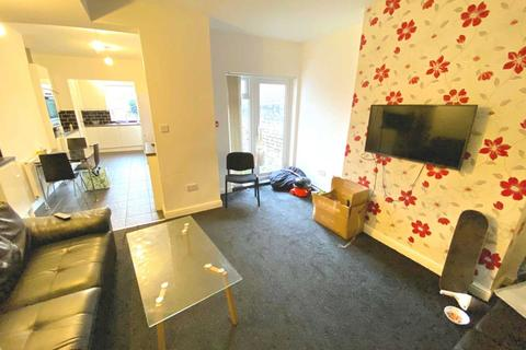 6 bedroom house share to rent - Weaste  Lane, Salford