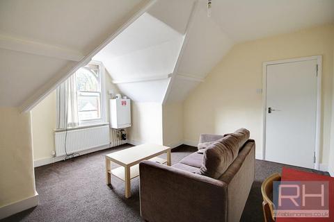 Studio to rent - Coleridge Road, London, N8